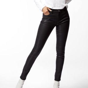 J BRAND | 620 Mid Rise Super Skinny Black Jean